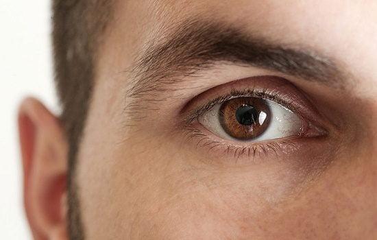 آیا چشم آستیگمات می تواند معافیت پزشکی چشم دریافت کند؟